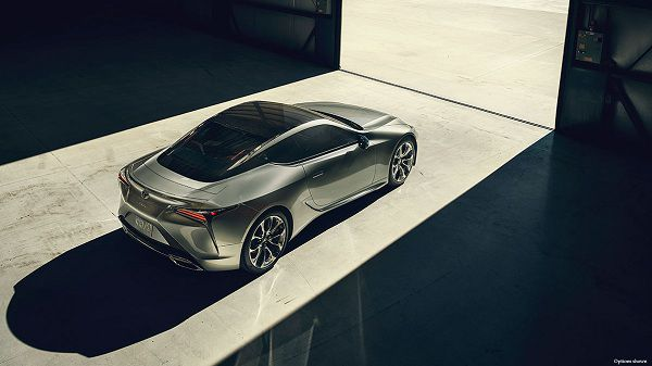 Exterior of the Lexus LC 2018
